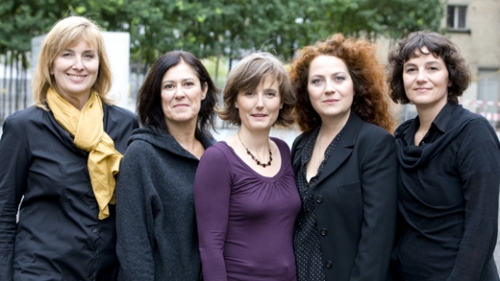 The all-female DESIGNGUT team with Jennifer Lüscher first from the left. Photo via DESIGNGUT.