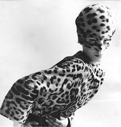 1965 VOGUE photo by Leombruno Bodi with  leopard print firmly on trend. Photo via VOGUE.it