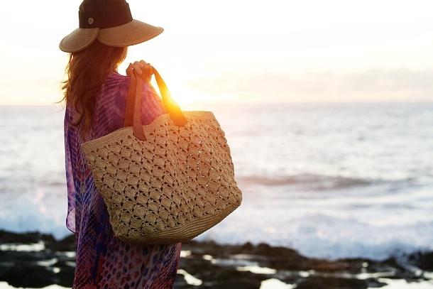 Mar y Sol beach bag. Photo via islandfeversisters.com